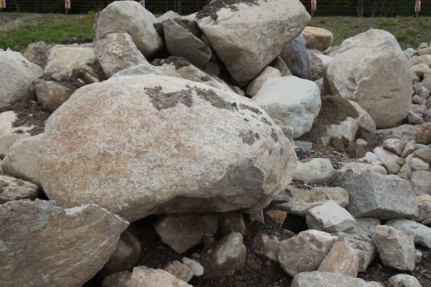 Loose Boulder Wall Stone by South Shore Landscape Supply